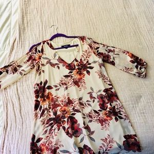 Adorable dress, worn once to a fall wedding 😊